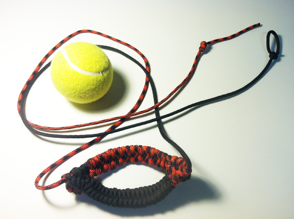 tennis_ball_thrower_-_black_widow_and_black_-_small.jpg
