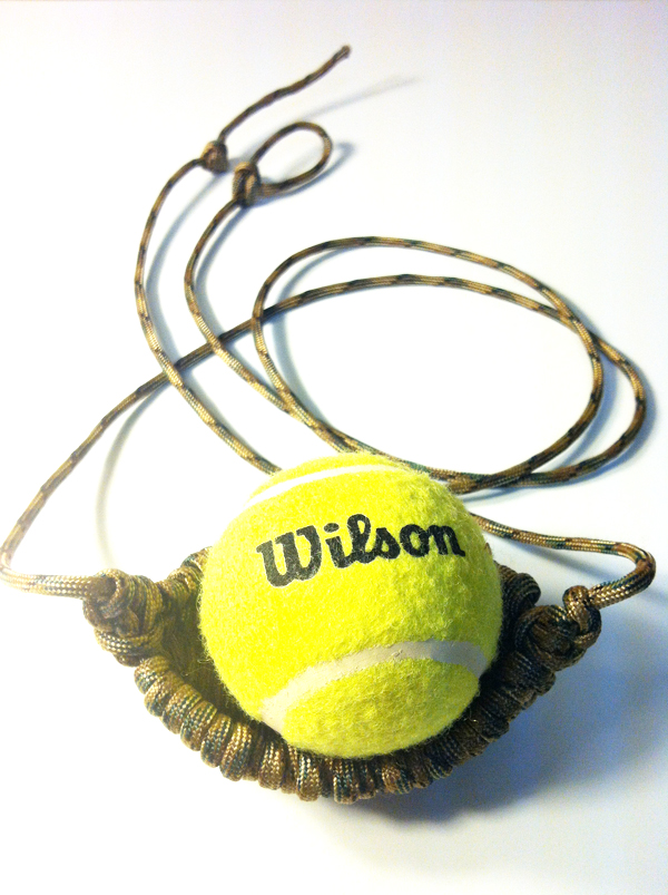 tennis_ball_thrower_-_closed_pouch.jpg